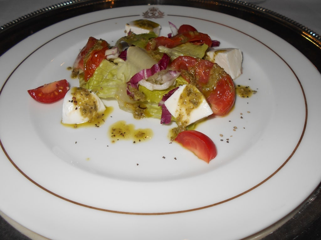 food on Queen Mary2