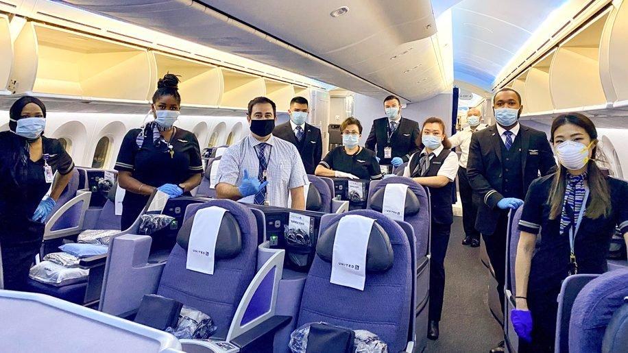 Mandatory masks on United